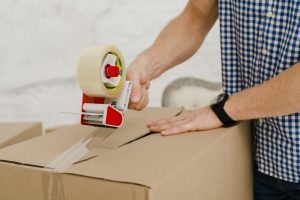 How Couriers Handle Fragile and Special Items