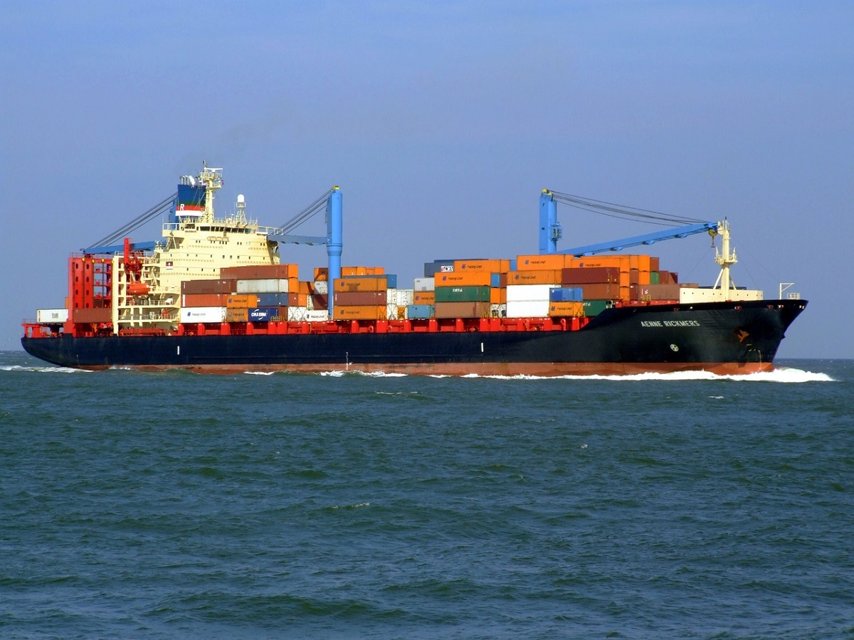 shipping vessel for courier services