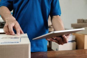 7 Questions To Ask When Hiring A Courier Service